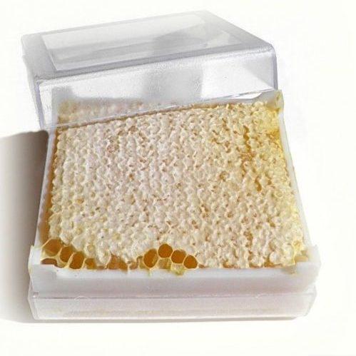 Рамка меда целиком  - 700 руб. (вместо 1200 руб.)